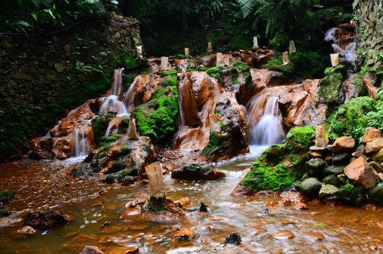 Kampung Daun: Waterfall