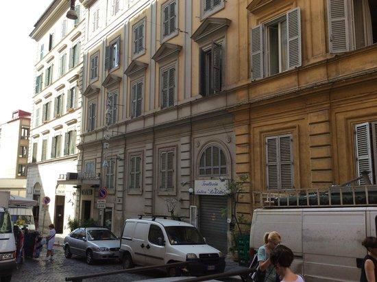 Corona Hotel: Via Napoli, hôtel soleil du matin