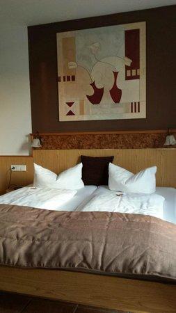 Hotel Andante : La camera in cui abbiamo soggiornato. Notare avevamo gli Haribo sui letti come benvenuto!!!