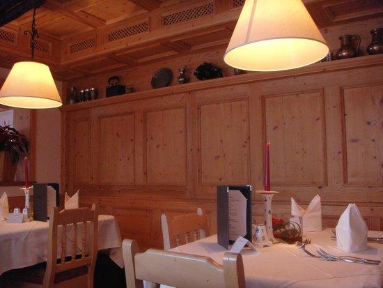Kaprunerhof: Restaurant.