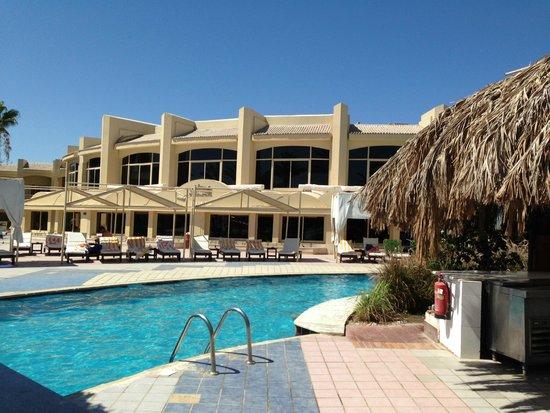 Sindbad Aqua Hotel & Spa: Бич резорт