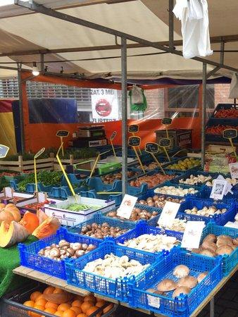 Dapper Markt: Fresh local produce