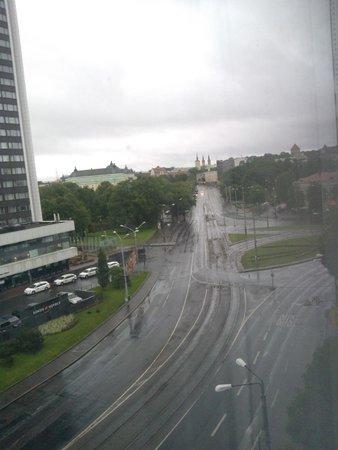 Nordic Hotel Forum: вид из окна комнаты, немного дождливое утро