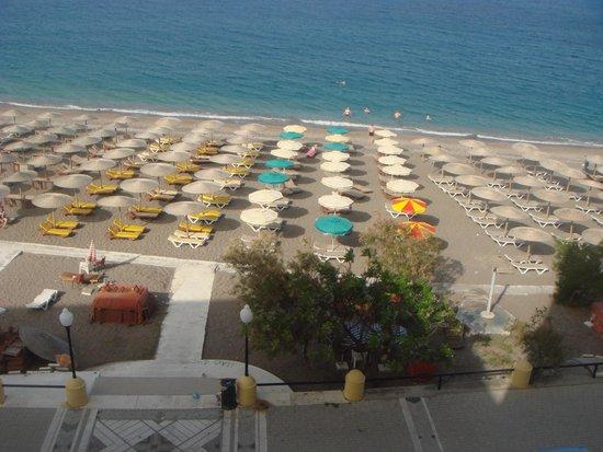 Hotel Mediterranean : вид с балкона