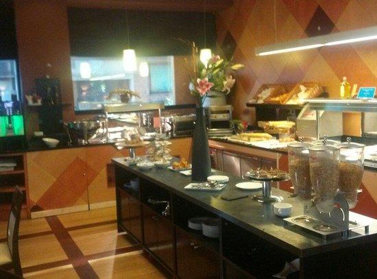 Abba Madrid Hotel: Desayuno buffet
