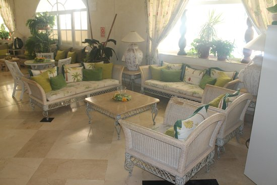 Gran Oasis Resort: Reception area.