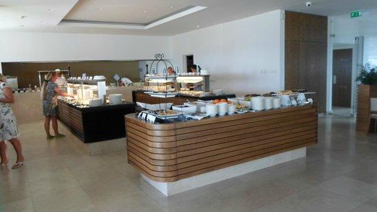 Sunrise Pearl Hotel & Spa: Buffet für morgens und abends