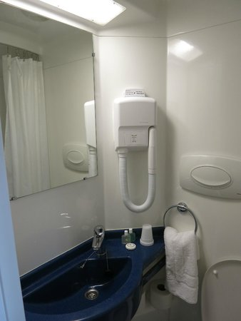 Trebovir Hotel: Bathroom