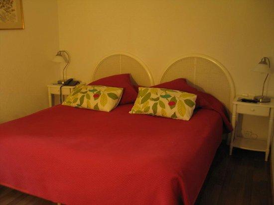 Nîmes, Best Western L'Orangerie - room