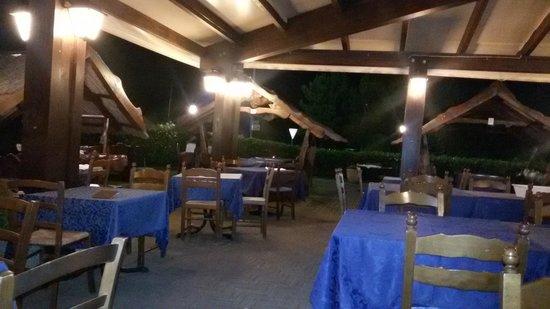 Aquila Nera ristorante pizzeria: veranda