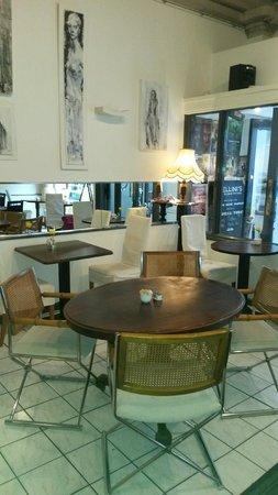 Fellini's Tea Room: Urig und schön eingerichtet