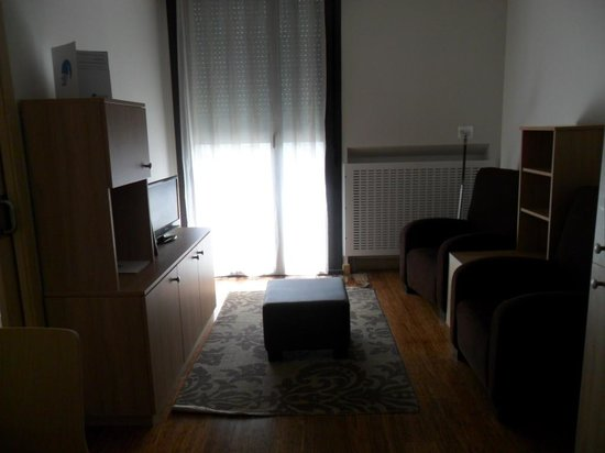Ovida Aparthotel: Salon