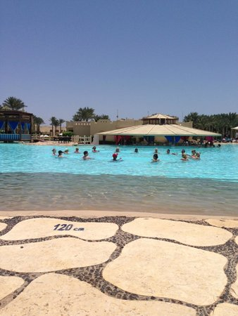 Rixos Sharm El Sheikh: Water aerobics in the Lagoon pool.