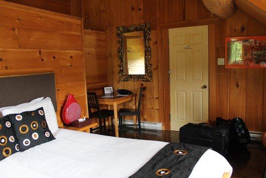 Auberge Couleurs de France: Notre chambre dans le pavillon principal.