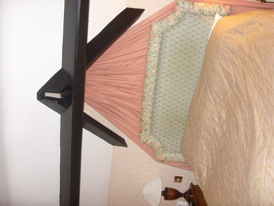 The Lymm Hotel: Bed