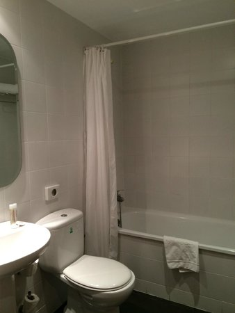 Hotel Internacional Ramblas Cool: bathroom