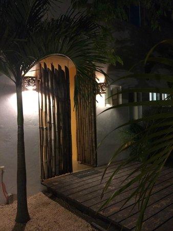 Mango Tulum Hotel: Front door