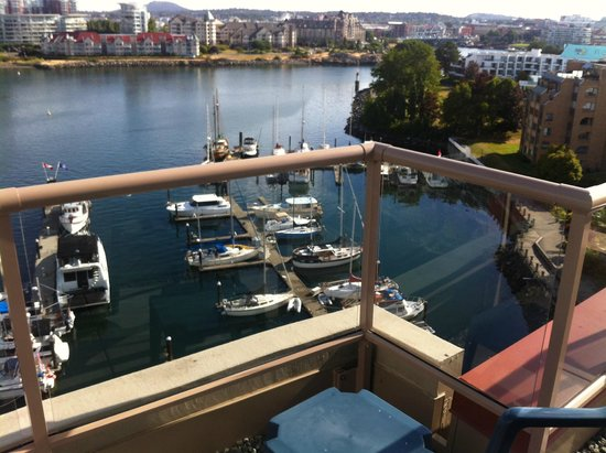 Coast Victoria Hotel & Marina by APA : Just 1 of the many views from the wrap around deck