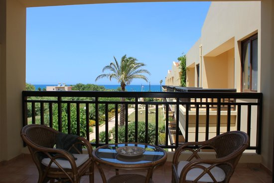 Asterion Hotel Suites and Spa: Balcony view