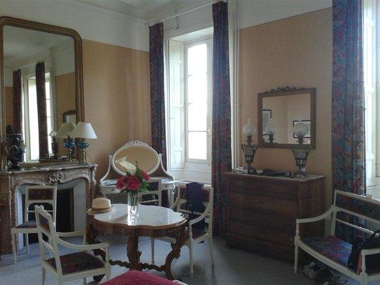 """Château de Nieuil : Chambre """"La fauvette"""""""
