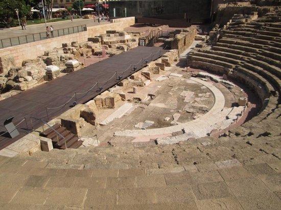 Roman Theatre: Roman ruins