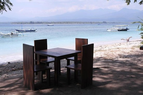 Kaluku Gili Resort : You can have your breakfast here!