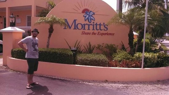 Morritts Tortuga Club and Resort: Entrance