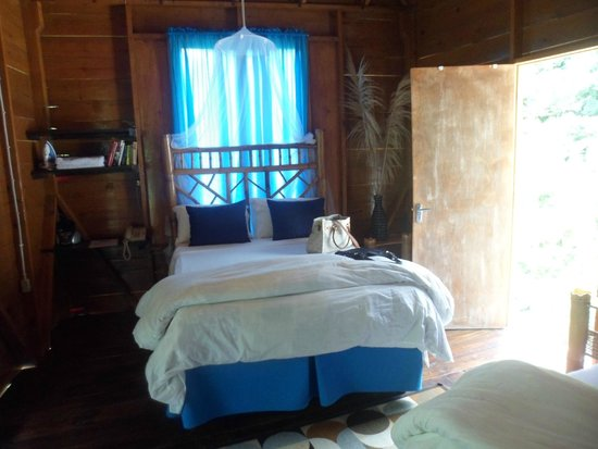 RafJam's Bed & Breakfast: Room in Cottage