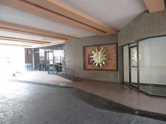 Palacio Del Sol: Entrance