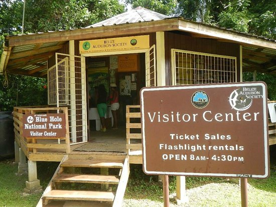 Blue Hole National Park: Visitors Center entrance