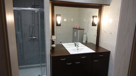 Hotel Pigeon Blanc : salle de bains