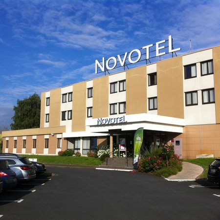 Novotel Bayeux : From the Parking  lot