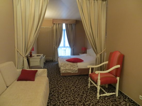 Hotel des Augustins : Our room