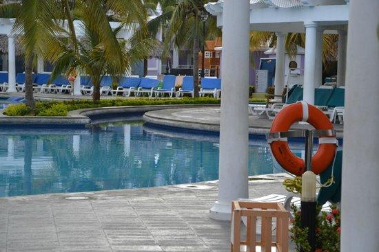 Hotel Riu Montego Bay: Pool area