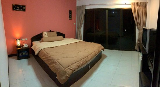 Patong Bay Guesthouse : Superior Room