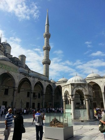 Mosquée Bleue (Sultan Ahmet Camii) : Dal cortile interno
