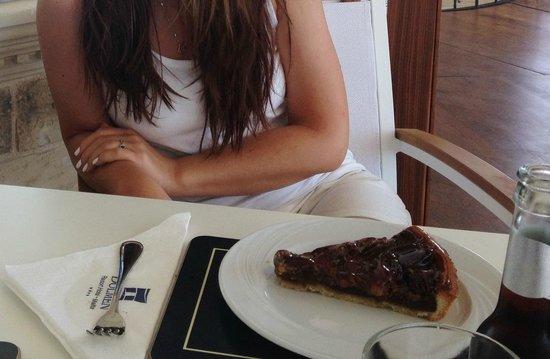 Cafe Delos: Desert- Pecan pie