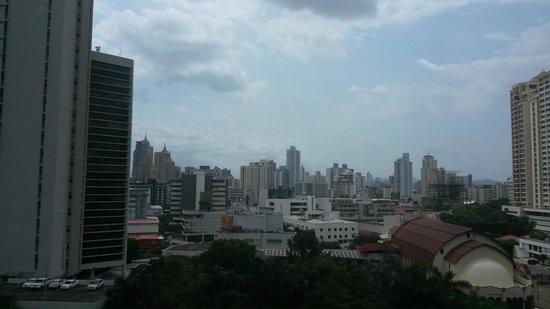 Holiday Inn Express Panama Distrito Financiero: Vista desde la habitacion Nro.1018 parte porterior del Edificio