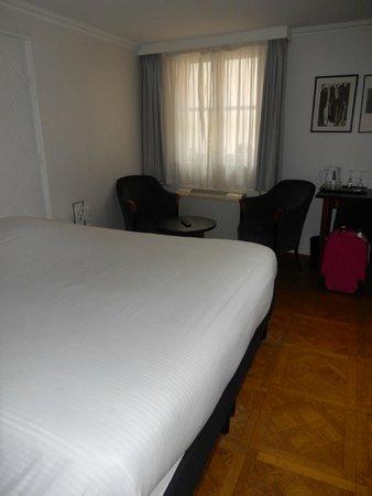 Hotel le Colombier : Bedroom