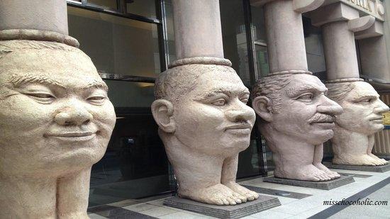Dotonbori Hotel: 4 Statues