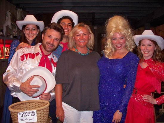 Carousel Music Theater: Carousel Alum Kelly with the 2012 cast