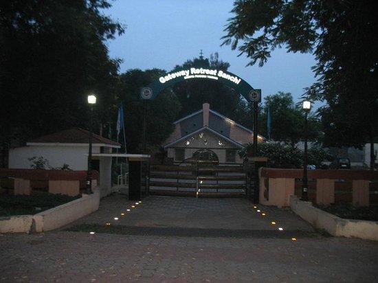 Gateway Retreat Sanchi: dawn