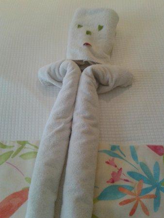 Sensimar Oceanis Beach & Spa Resort: Towel Sculpture