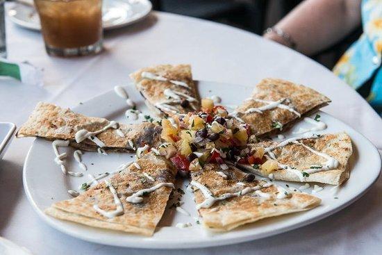 5 Palms Restaurant: Quesadilla