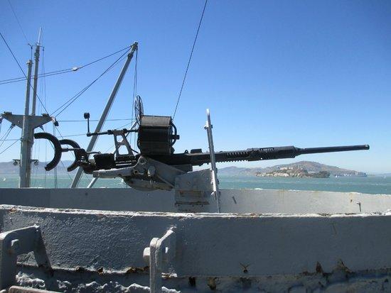 SS Jeremiah O'Brien : machine gun