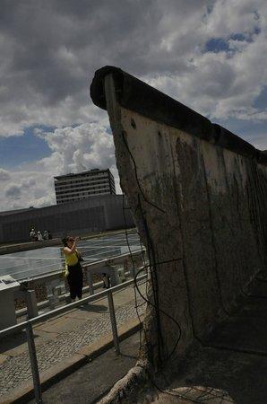 Fat Tire Tours Berlin: Berlin Wall
