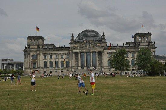 Fat Tire Tours Berlin: Historic buildings
