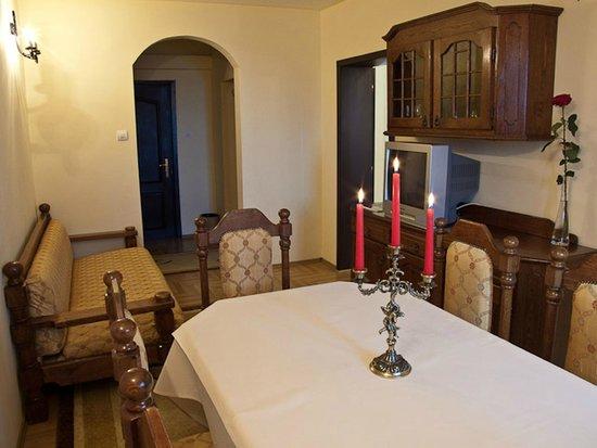 "Hotel Castel Dracula: The ""Quincey Morris"" Suite"