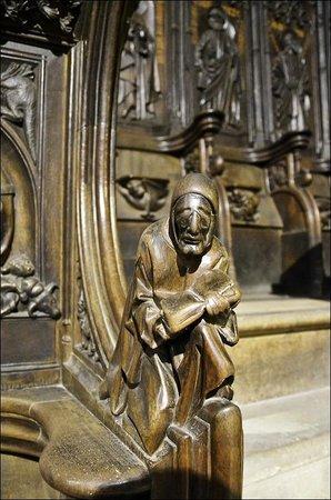 Santa Maria de Leon Cathedral: Скамьи хоров