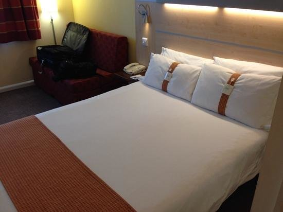 Holiday Inn Express London-Watford Junction: Camera